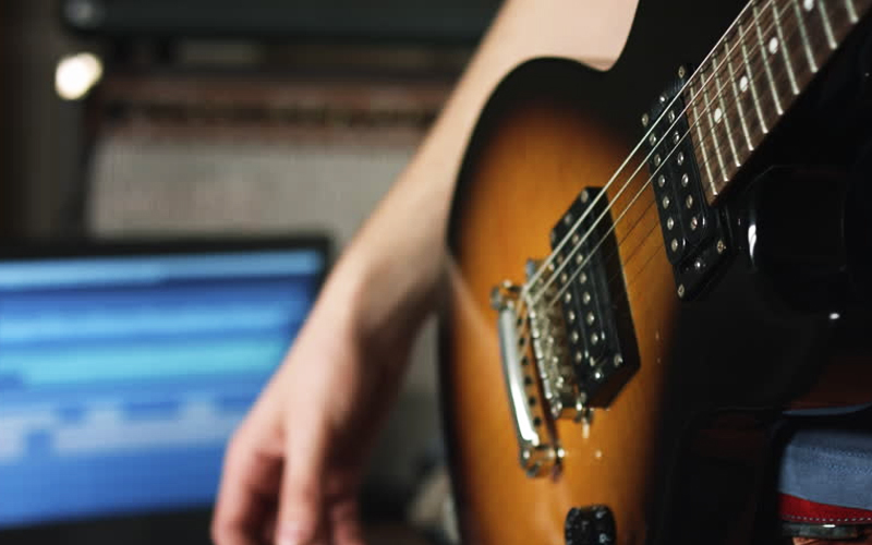recording electric guitar without an amp radial engineering. Black Bedroom Furniture Sets. Home Design Ideas